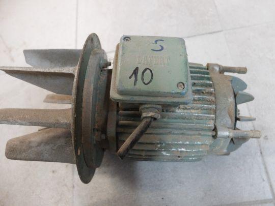 Silnik z wentylatorem 10